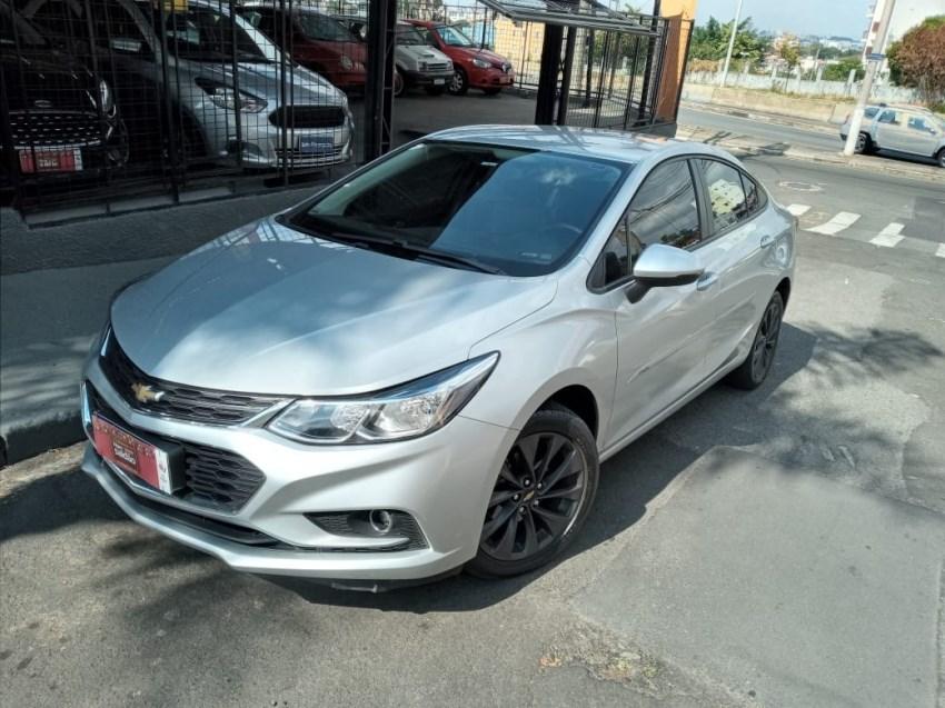 //www.autoline.com.br/carro/chevrolet/cruze-14-sedan-lt-16v-flex-4p-turbo-automatico/2018/campinas-sp/14719869