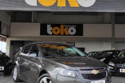 //www.autoline.com.br/carro/chevrolet/cruze-18-hatch-sport-lt-16v-flex-4p-automatico/2012/taubate-sp/14865299