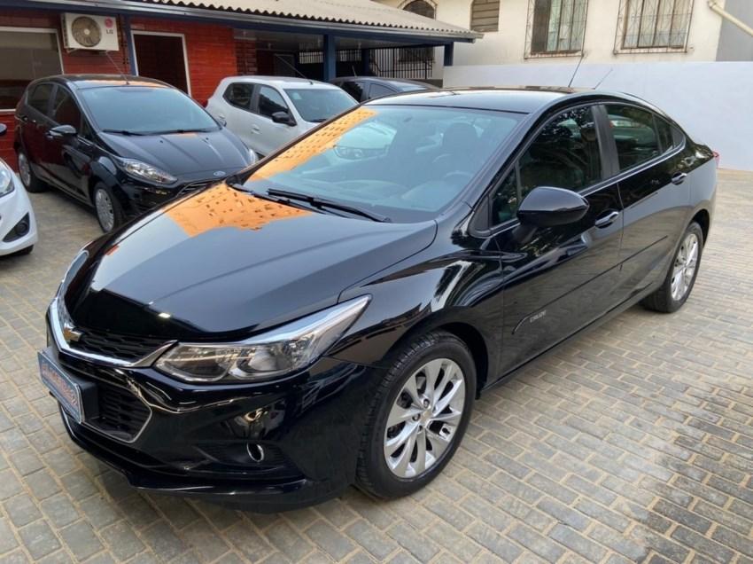 //www.autoline.com.br/carro/chevrolet/cruze-14-sedan-lt-16v-flex-4p-turbo-automatico/2017/chapeco-sc/15098816