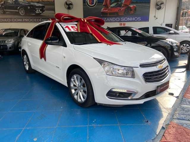 //www.autoline.com.br/carro/chevrolet/cruze-18-sedan-lt-16v-flex-4p-automatico/2015/sao-paulo-sp/15101451