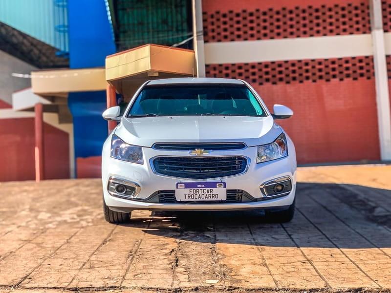 //www.autoline.com.br/carro/chevrolet/cruze-18-sedan-lt-16v-flex-4p-automatico/2015/jatai-go/15178230