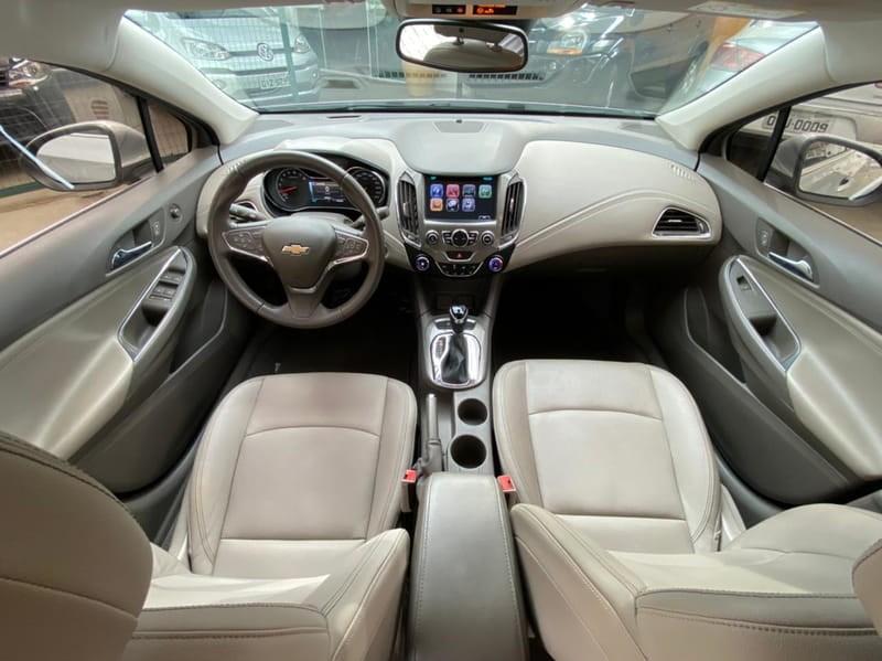 //www.autoline.com.br/carro/chevrolet/cruze-14-sedan-ltz-16v-flex-4p-turbo-automatico/2017/taubate-sp/15203463