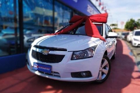 //www.autoline.com.br/carro/chevrolet/cruze-18-sedan-lt-16v-flex-4p-automatico/2013/campinas-sp/15207635