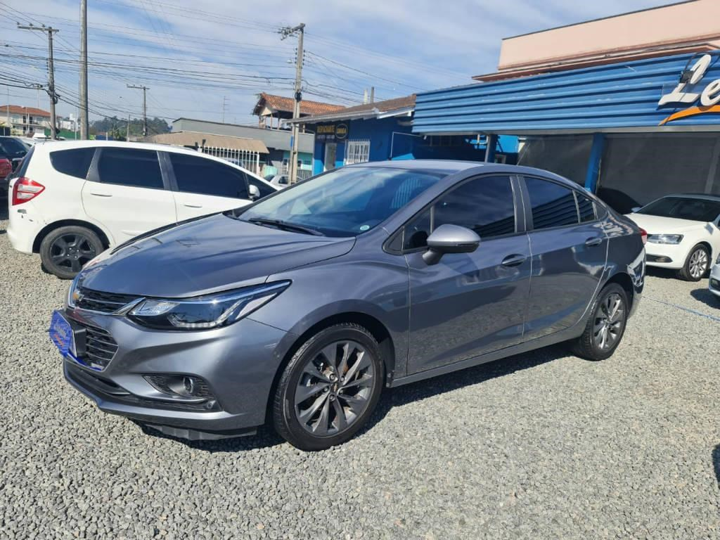 //www.autoline.com.br/carro/chevrolet/cruze-14-sedan-lt-16v-flex-4p-turbo-automatico/2019/joinville-sc/15225714