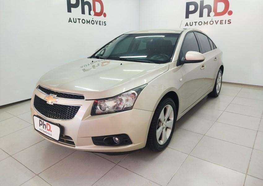 //www.autoline.com.br/carro/chevrolet/cruze-18-sedan-ltz-16v-flex-4p-automatico/2012/brasilia-df/15230356