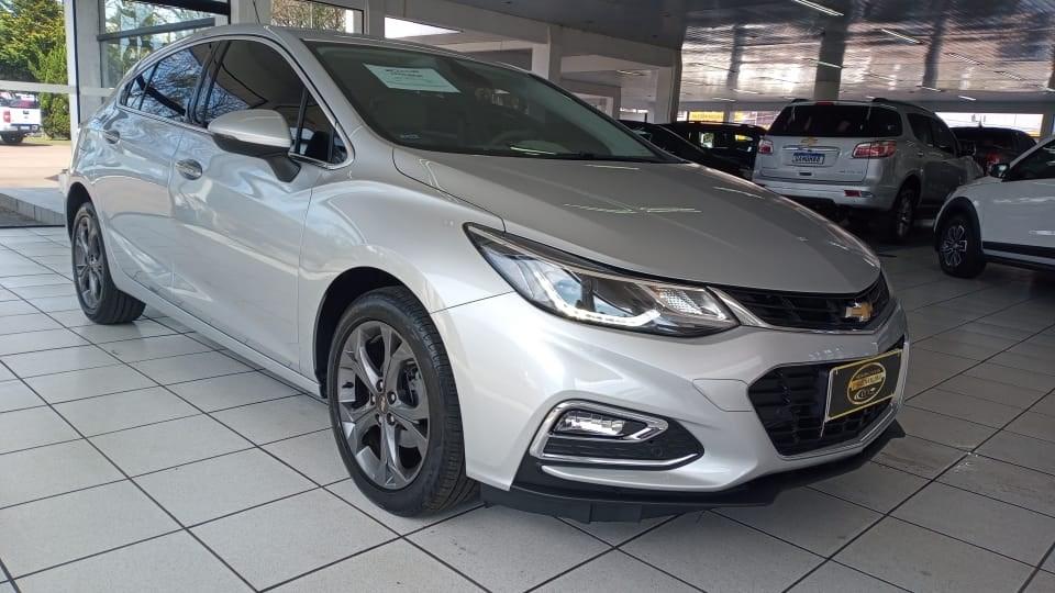//www.autoline.com.br/carro/chevrolet/cruze-14-sedan-ltz-16v-flex-4p-turbo-automatico/2019/curitiba-pr/15541535