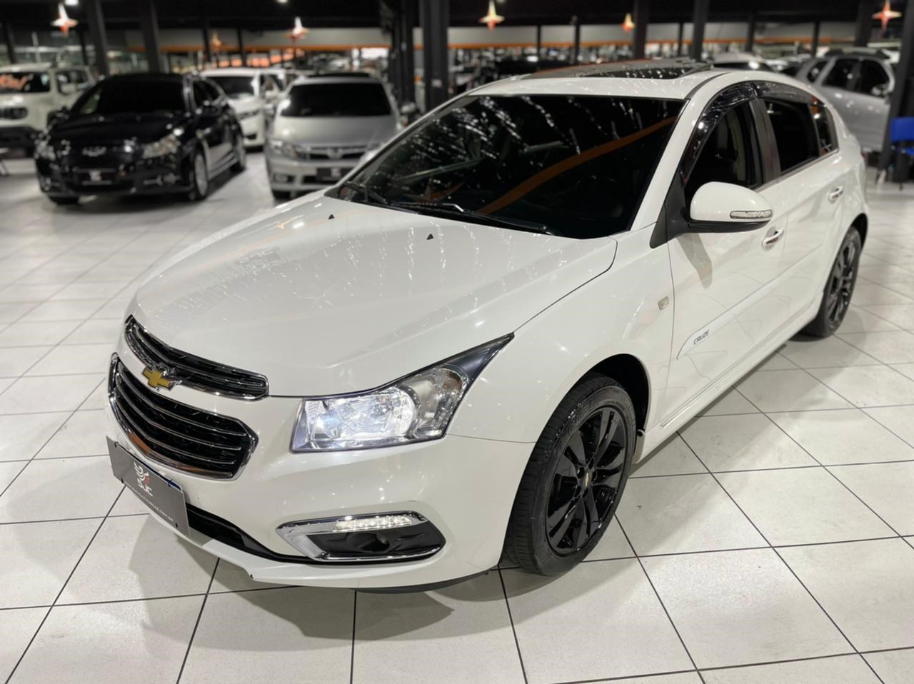 //www.autoline.com.br/carro/chevrolet/cruze-18-hatch-sport-ltz-16v-flex-4p-automatico/2015/sao-jose-dos-campos-sp/15563700