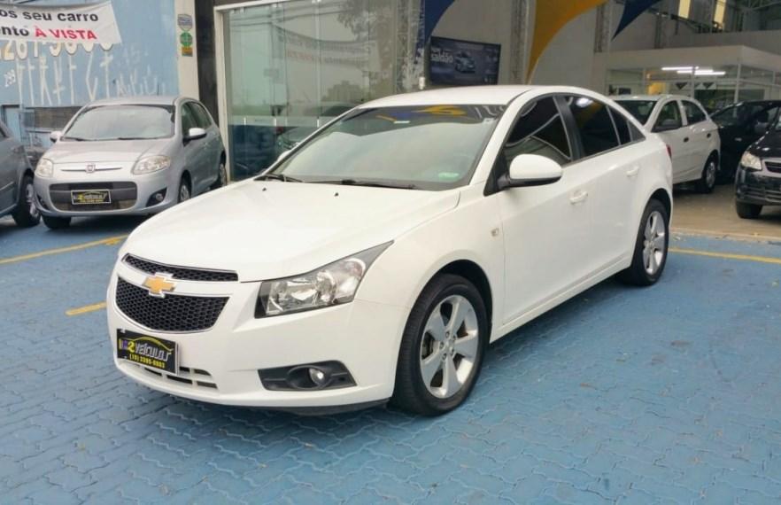 //www.autoline.com.br/carro/chevrolet/cruze-18-sedan-lt-16v-flex-4p-automatico/2013/campinas-sp/15595541