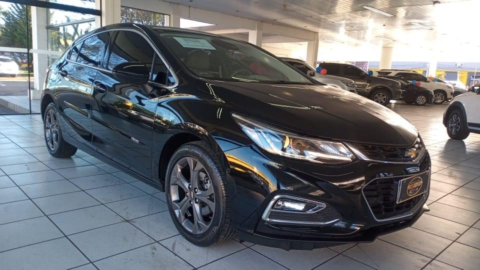 //www.autoline.com.br/carro/chevrolet/cruze-14-sedan-ltz-16v-flex-4p-turbo-automatico/2019/curitiba-pr/15620368