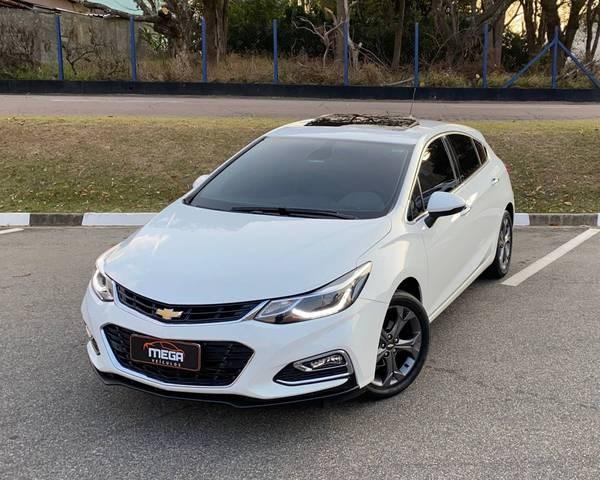 //www.autoline.com.br/carro/chevrolet/cruze-14-sedan-ltz-16v-flex-4p-turbo-automatico/2017/vinhedo-sp/15640391