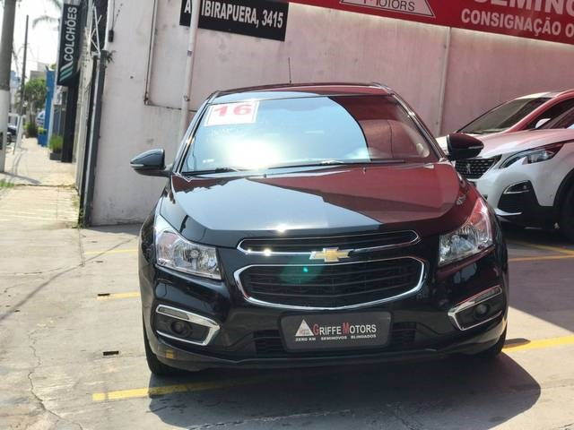 //www.autoline.com.br/carro/chevrolet/cruze-18-sedan-lt-16v-flex-4p-automatico/2016/sao-paulo-sp/15676500