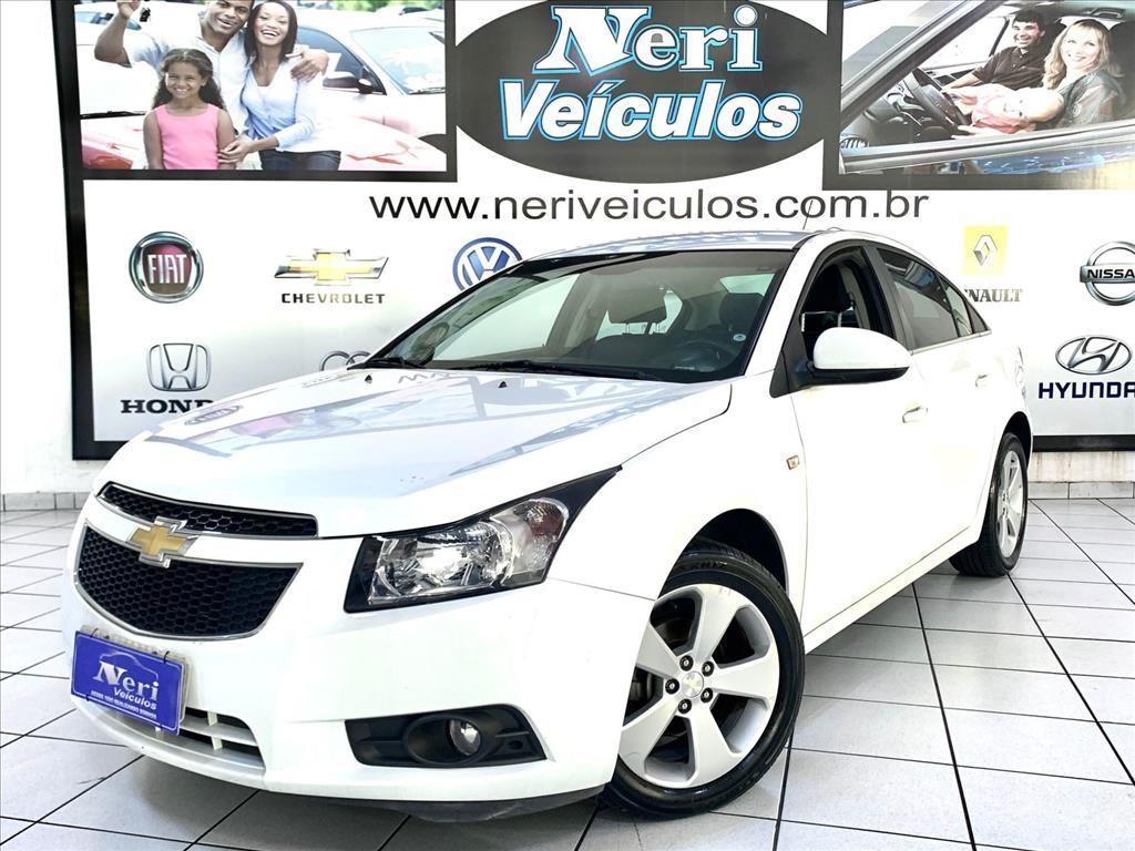 //www.autoline.com.br/carro/chevrolet/cruze-18-sedan-lt-16v-flex-4p-automatico/2013/campinas-sp/15688698