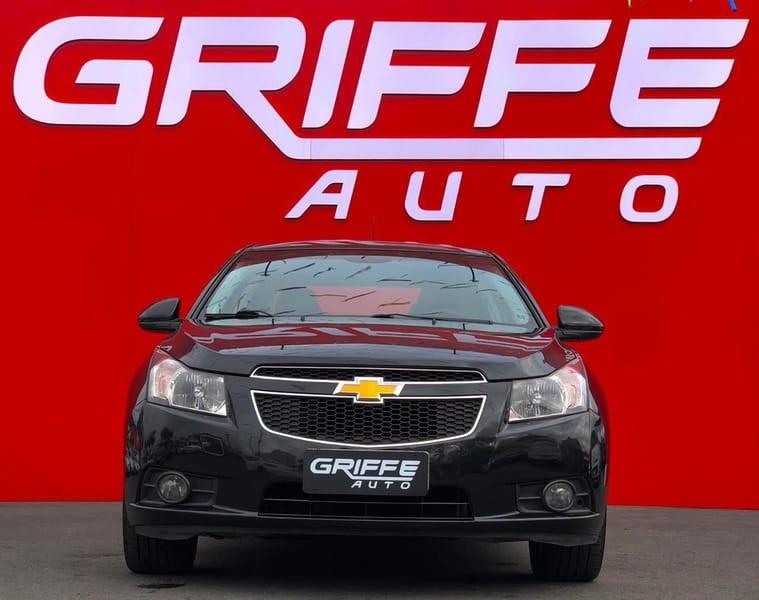 //www.autoline.com.br/carro/chevrolet/cruze-18-sedan-lt-16v-flex-4p-manual/2012/curitiba-pr/15709168