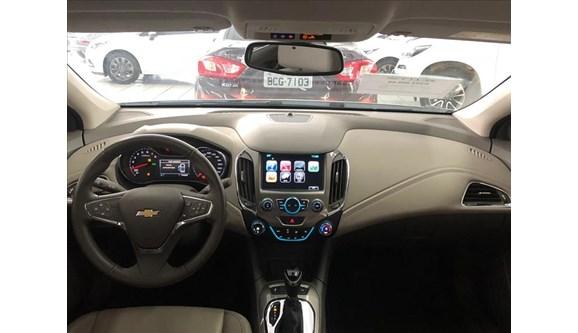 //www.autoline.com.br/carro/chevrolet/cruze-14-ltz-16v-sedan-flex-4p-automatico/2017/curitiba-pr/6811466