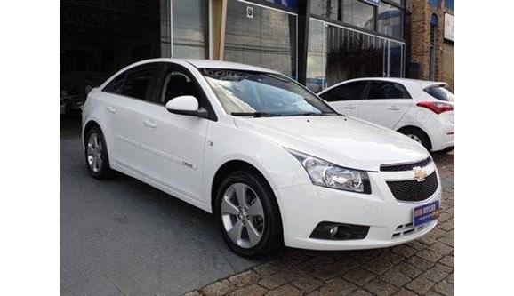 //www.autoline.com.br/carro/chevrolet/cruze-18-lt-16v-sedan-flex-4p-manual/2014/vinhedo-sp/6994003