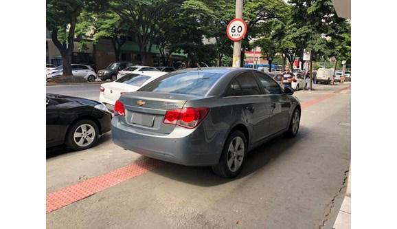 //www.autoline.com.br/carro/chevrolet/cruze-18-lt-16v-sedan-flex-4p-automatico/2012/belo-horizonte-mg/8076368