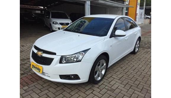 //www.autoline.com.br/carro/chevrolet/cruze-18-lt-16v-sedan-flex-4p-automatico/2014/chapeco-sc/8407805