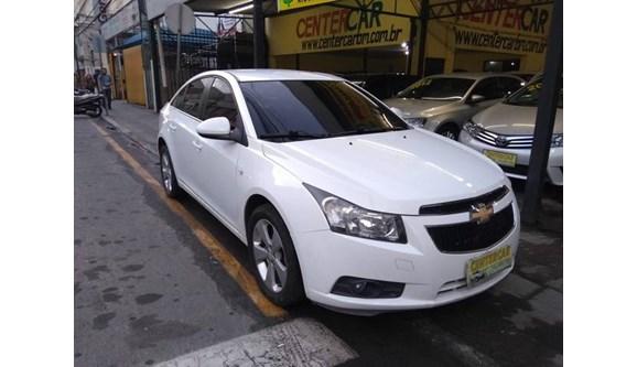 //www.autoline.com.br/carro/chevrolet/cruze-18-lt-16v-sedan-flex-4p-automatico/2012/barra-mansa-rj/8853036