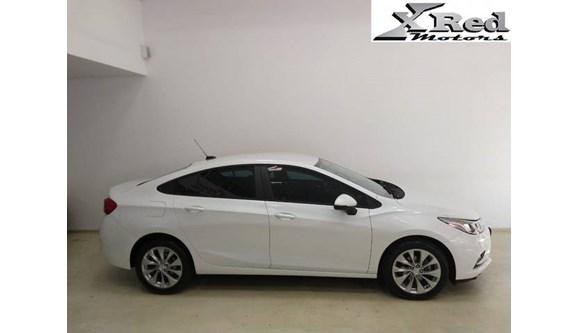 //www.autoline.com.br/carro/chevrolet/cruze-14-lt-16v-sedan-flex-4p-automatico/2017/sao-paulo-sp/9149252