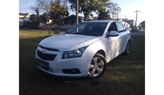 //www.autoline.com.br/carro/chevrolet/cruze-18-lt-16v-flex-4p-automatico/2014/curitiba-pr/6699218