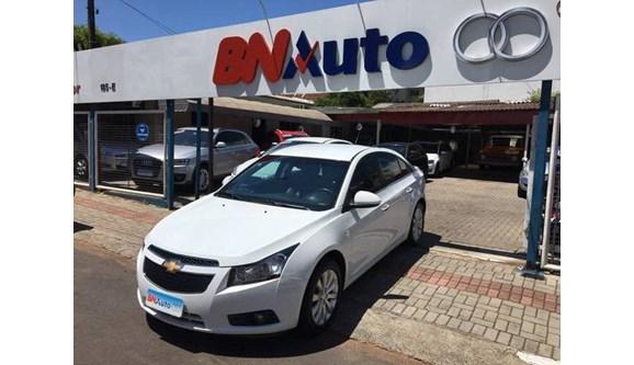//www.autoline.com.br/carro/chevrolet/cruze-18-ltz-16v-sedan-flex-4p-automatico/2012/chapeco-sc/6749382