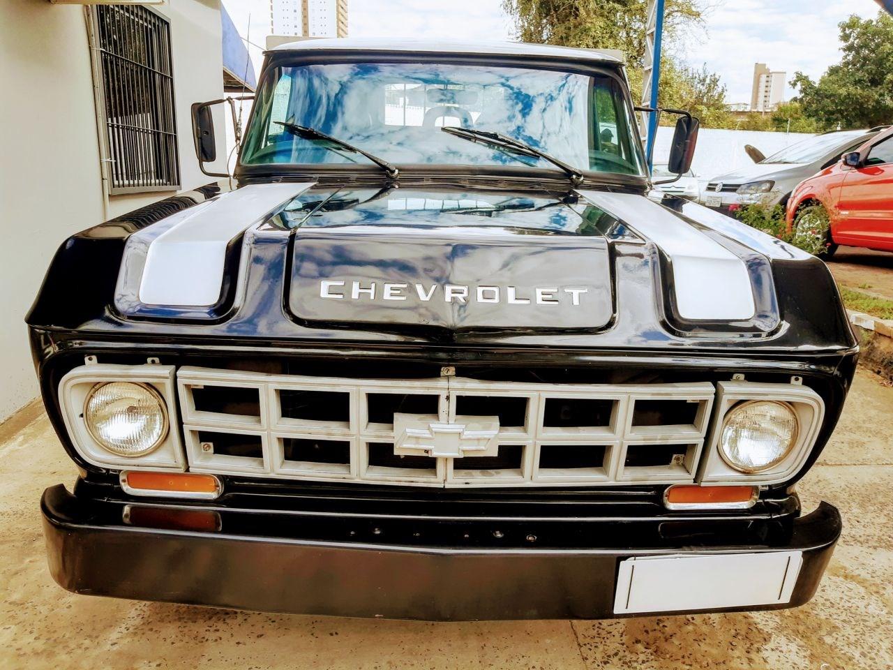 //www.autoline.com.br/carro/chevrolet/d-10-pick-up-40-custom-de-luxe-cabsimp-90cv-2p-diesel-manu/1980/piracicaba-sp/15246320