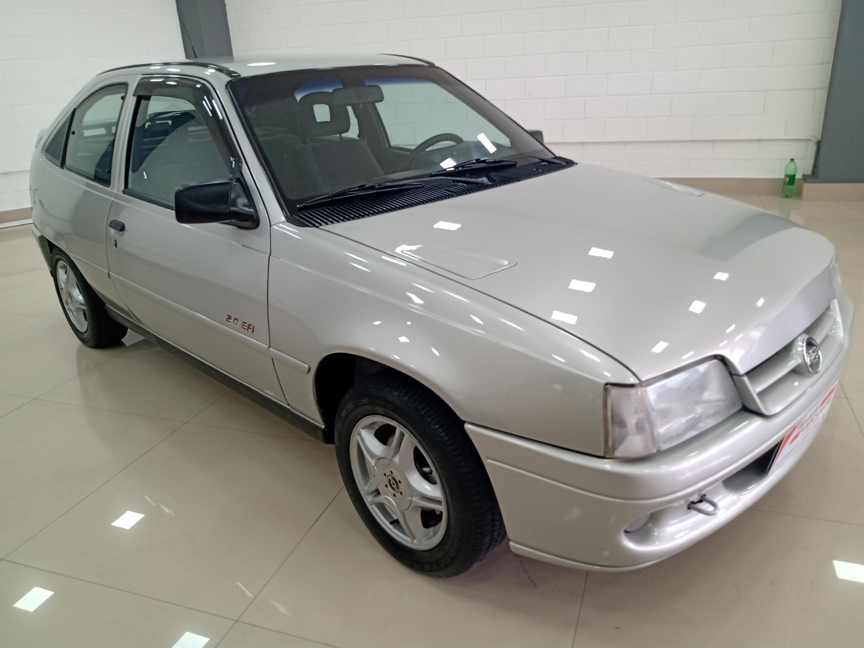 //www.autoline.com.br/carro/chevrolet/kadett-20-sport-8v-alcool-2p-manual/1996/sao-paulo-sp/13754759