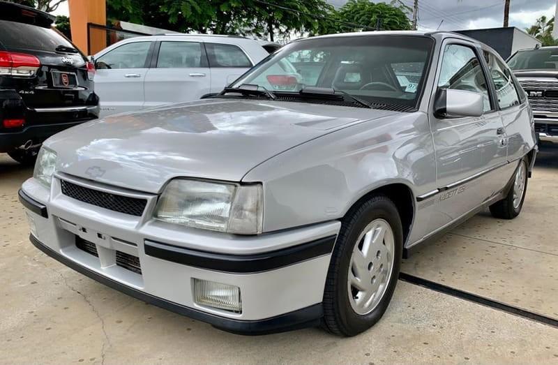 //www.autoline.com.br/carro/chevrolet/kadett-20-gsi-mpfi-115cv-2p-gasolina-manual/1994/goiania-go/14010411