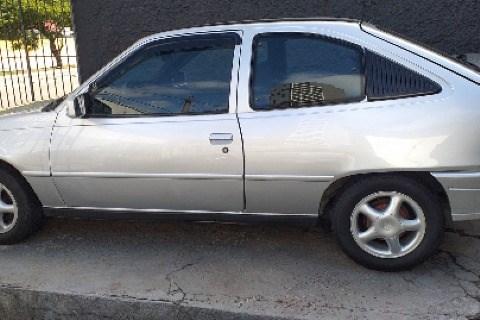//www.autoline.com.br/carro/chevrolet/kadett-18-hatch-sl-efi-90cv-2p-gasolina-manual/1998/sao-paulo-sp/14930910