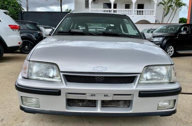 //www.autoline.com.br/carro/chevrolet/kadett-20-gsi-mpfi-115cv-2p-gasolina-manual/1994/goiania-go/14976986