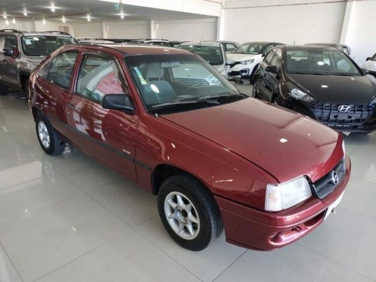 //www.autoline.com.br/carro/chevrolet/kadett-18-gl-efi-90cv-2p-gasolina-manual/1996/porto-alegre-rs/15263788