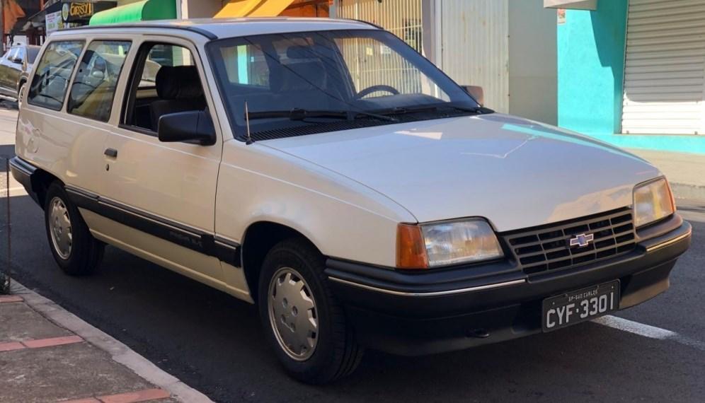 //www.autoline.com.br/carro/chevrolet/kadett-ipanema-20-gls-efi-110cv-4p-gasolina-manual/1990/sao-carlos-sp/15231505