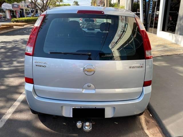 //www.autoline.com.br/carro/chevrolet/meriva-18-premium-8v-flex-4p-automatizado/2008/santa-fe-do-sul-sp/12249186