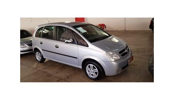 //www.autoline.com.br/carro/chevrolet/meriva-18-cd-8v-gasolina-4p-manual/2004/dois-vizinhos-pr/8048391