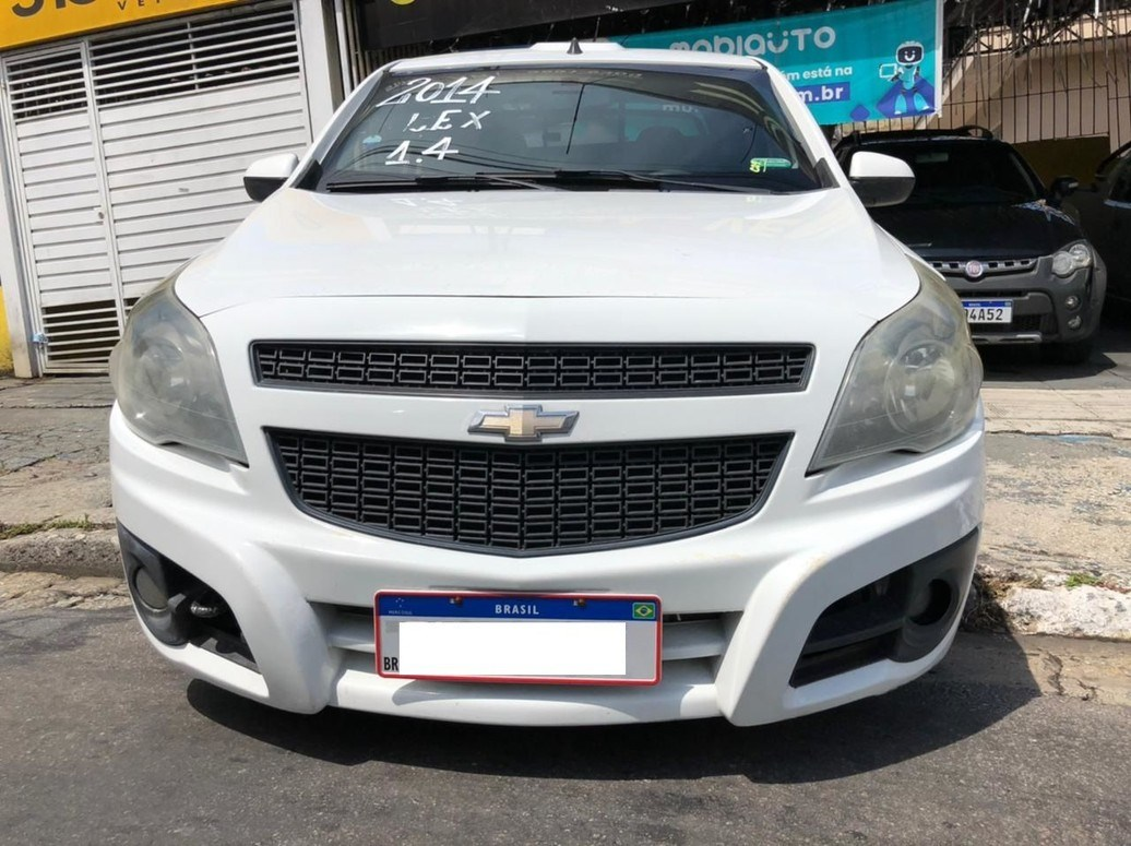 //www.autoline.com.br/carro/chevrolet/montana-14-ls-8v-flex-2p-manual/2014/osasco-sp/14019101