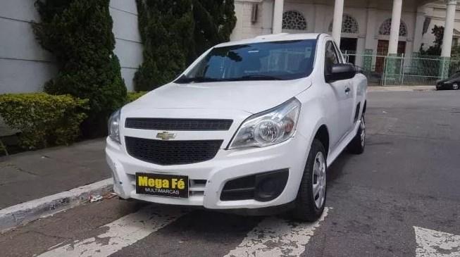 //www.autoline.com.br/carro/chevrolet/montana-14-ls-8v-flex-2p-manual/2018/sao-paulo-sp/14264057
