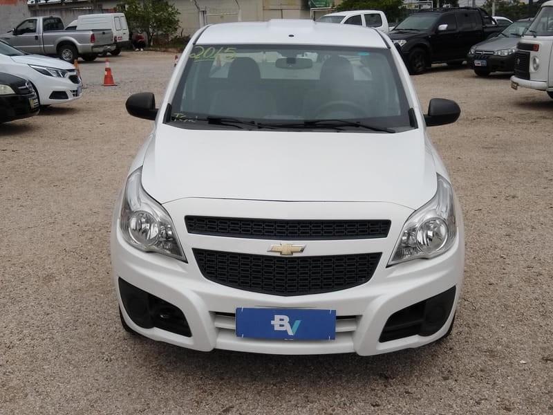 //www.autoline.com.br/carro/chevrolet/montana-14-ls-8v-flex-2p-manual/2015/curitiba-pr/14933210