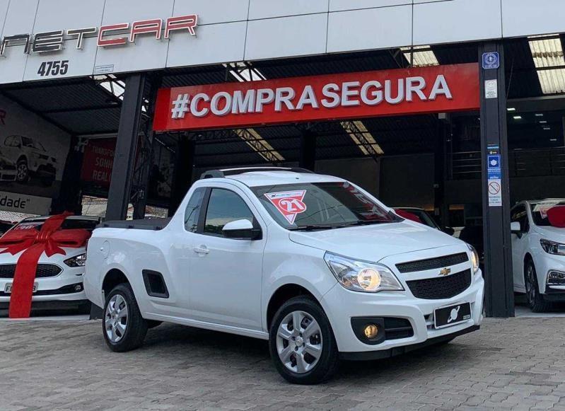 //www.autoline.com.br/carro/chevrolet/montana-14-ls-8v-flex-2p-manual/2021/sao-paulo-sp/15078254