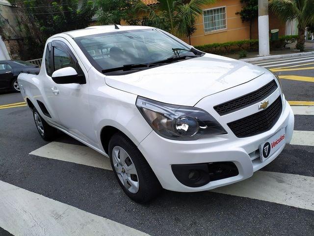 //www.autoline.com.br/carro/chevrolet/montana-14-ls-8v-flex-2p-manual/2014/sao-paulo-sp/15830335