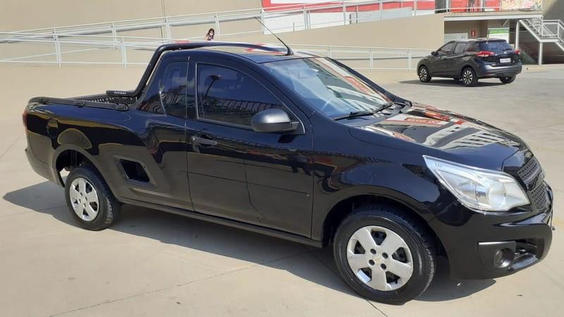 //www.autoline.com.br/carro/chevrolet/montana-14-ls-8v-flex-2p-manual/2015/belo-horizonte-mg/15848697