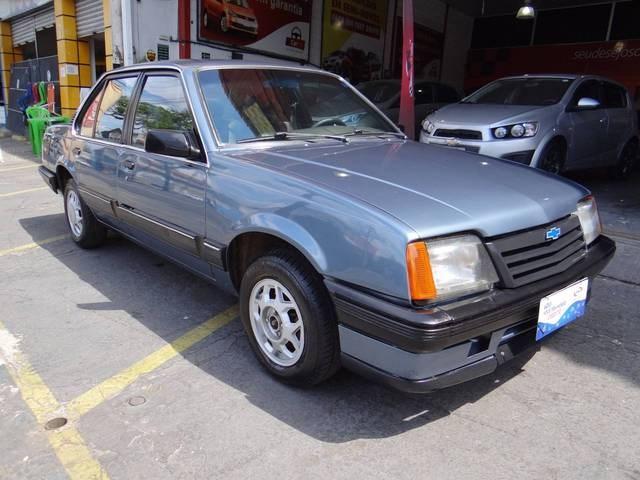 //www.autoline.com.br/carro/chevrolet/monza-18-sle-efi-90cv-4p-alcool-manual/1989/belo-horizonte-mg/12793396