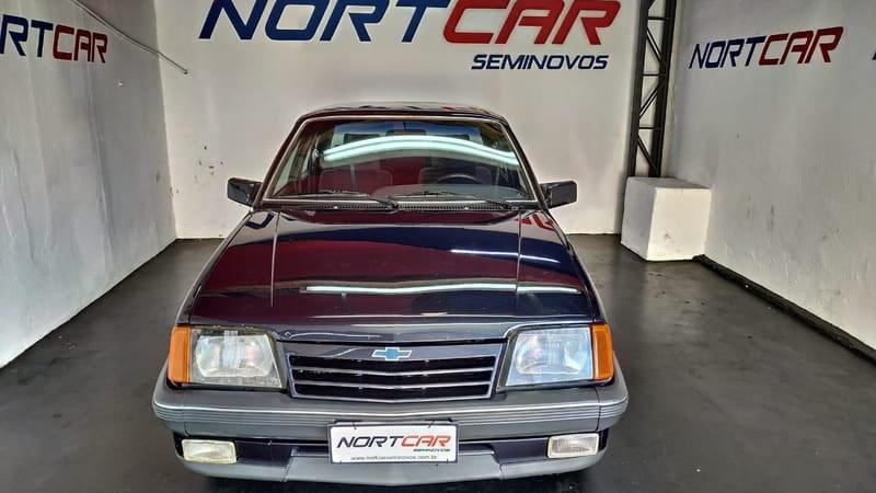//www.autoline.com.br/carro/chevrolet/monza-20-classic-se-efi-110cv-2p-alcool-manual/1990/londrina-pr/14599271