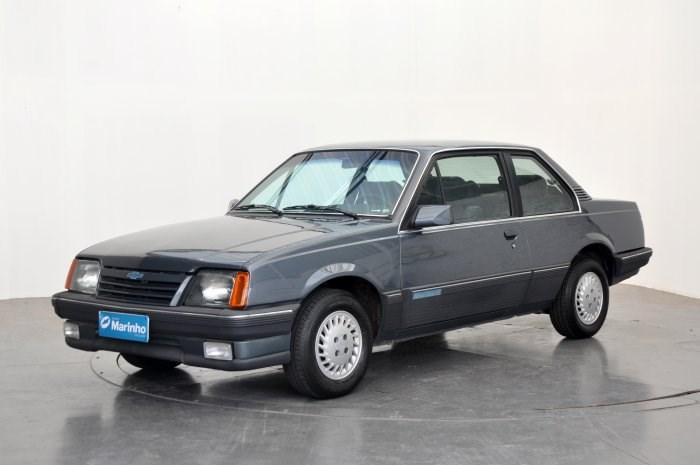 //www.autoline.com.br/carro/chevrolet/monza-20-sle-efi-110cv-2p-gasolina-manual/1988/sorocaba-sp/14639323