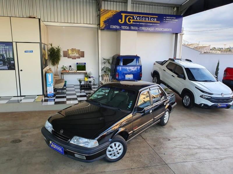 //www.autoline.com.br/carro/chevrolet/monza-20-gls-efi-110cv-4p-alcool-manual/1994/rio-verde-go/15183799