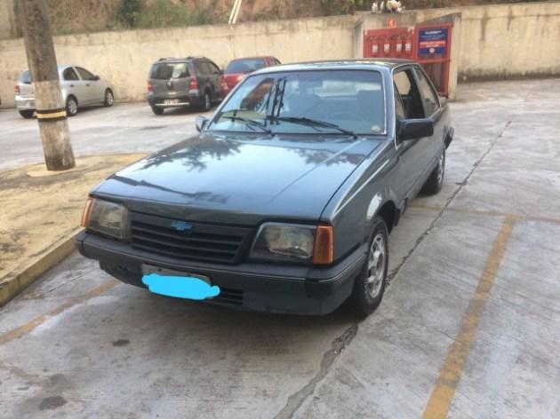 //www.autoline.com.br/carro/chevrolet/monza-18-sle-efi-90cv-2p-gasolina-manual/1989/sao-paulo-sp/6272110