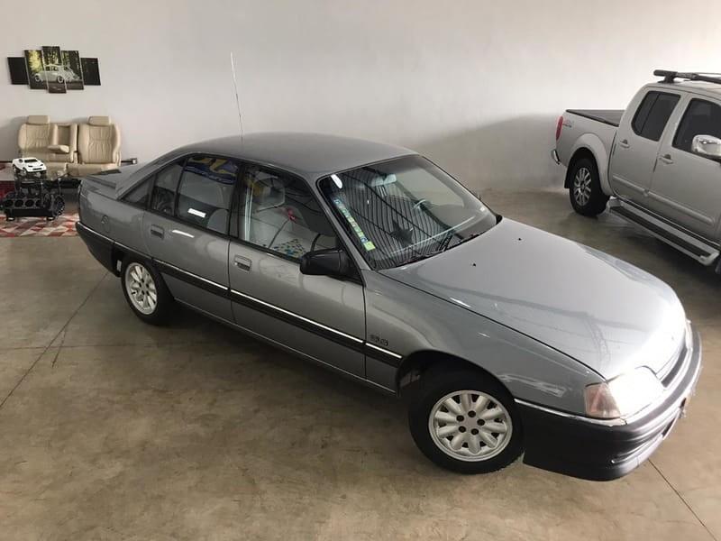 //www.autoline.com.br/carro/chevrolet/omega-22-gls-mpfi-120cv-4p-gasolina-manual/1997/rio-verde-go/13201356