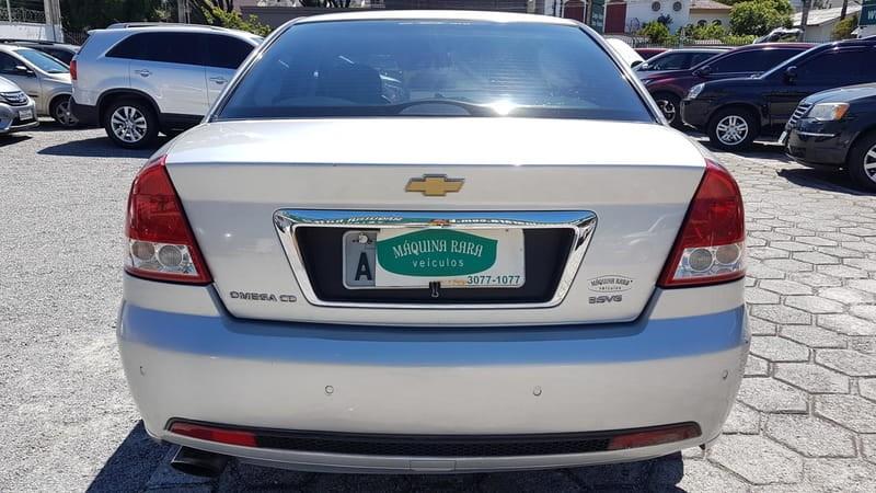 //www.autoline.com.br/carro/chevrolet/omega-36-v6-12v-gasolina-4p-automatico/2005/curitiba-pr/14496584