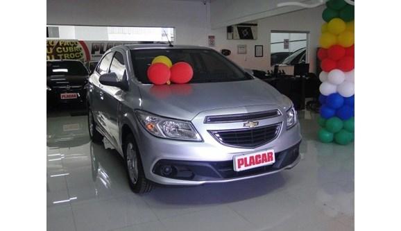 //www.autoline.com.br/carro/chevrolet/onix-10-lt-8v-flex-4p-manual/2013/brasilia-df/6194740