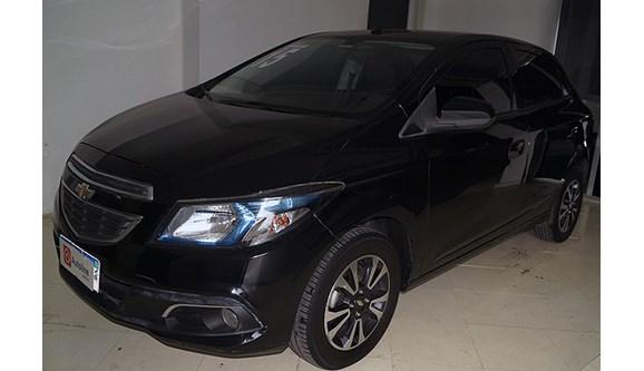 //www.autoline.com.br/carro/chevrolet/onix-14-ltz-8v-flex-4p-manual/2015/rio-de-janeiro-rj/6623693