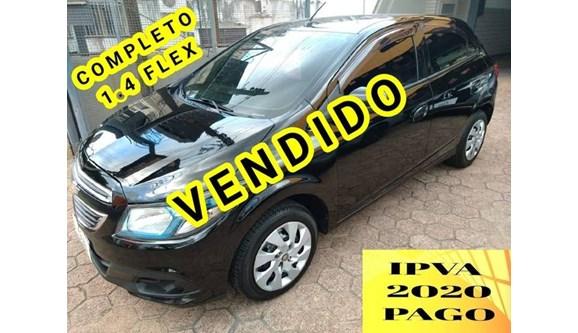 //www.autoline.com.br/carro/chevrolet/onix-14-lollapalooza-8v-flex-4p-manual/2014/porto-alegre-rs/10999451